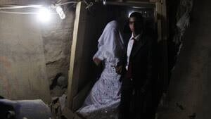 mi-gaza-tunnel-bride-rtr3fa