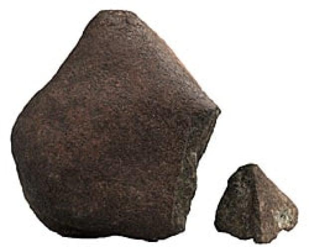 sm-250-mars-meteorite-nwa-5298-rom2008_10367_10_1