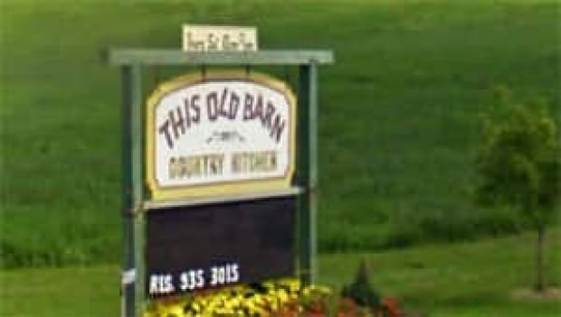 li-tb-old-barn300