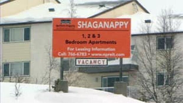 mi-yellowknife-shaganappy-apartment