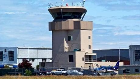 1 injured in hard landing at Victoria airport thumbnail