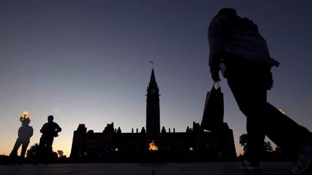 li-parliament-dark-02881945