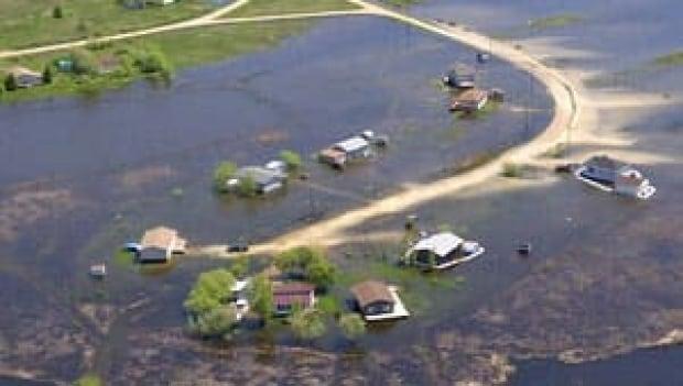 St. Laurent flooding 2011