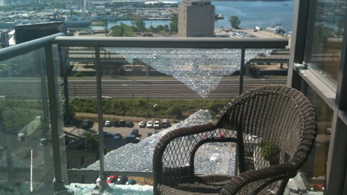 Balcony Glass Shatters In Distillery District Toronto Cbc News