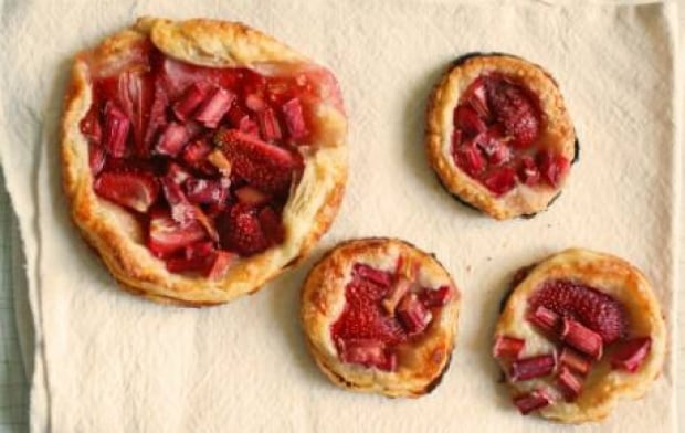 fi-strawberry-rhubarb-tarts