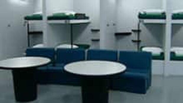peisi--jail-beds-220