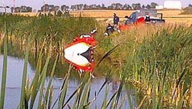 mi-plane-crash-lagoon
