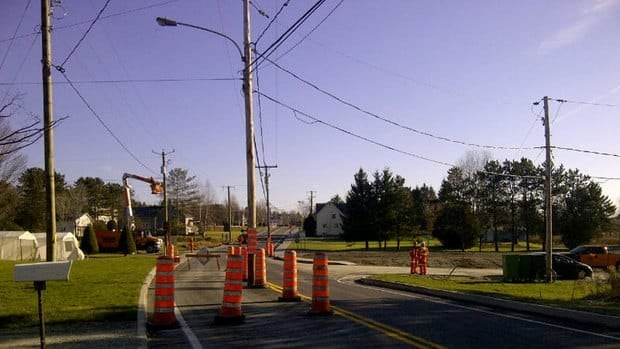 Transport Quebec construction crews left a utility pole in the middle of Route 251 in the Eastern Townships when they repaved the highway a few months ago.