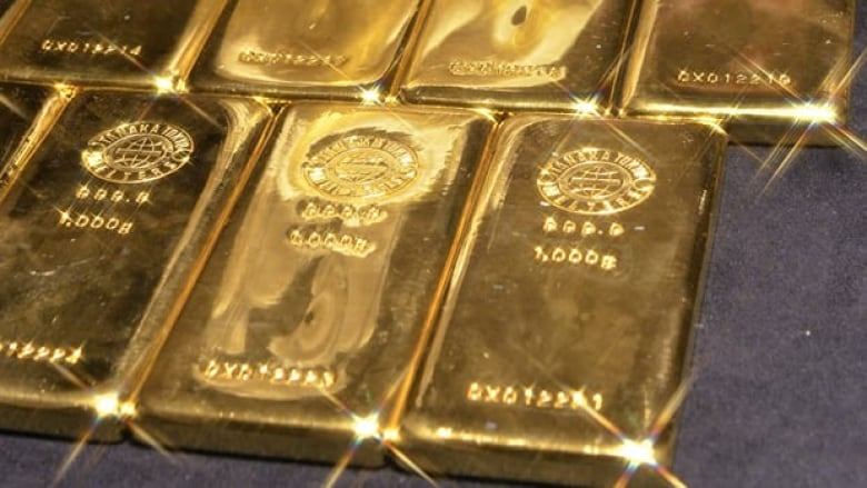 kilogram gold bars  sale  tokyo  august  gold prices  neared