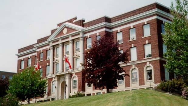 The province has confirmed that it has sold the old courthouse building on Camelot Street in Thunder Bay, Ont.