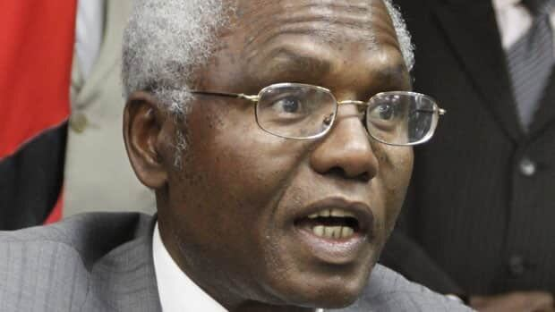 The International Criminal Court dropped a case against Kenya's Cabinet Secretary Francis Muthaura who was charged with crimes including murder, rape and deportation for his alleged involvement in deadly violence following Kenya's 2007 presidential election.