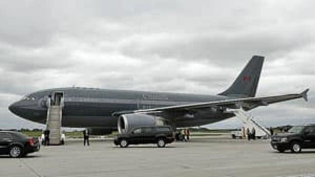 mi-old-plane-rtxzvjb