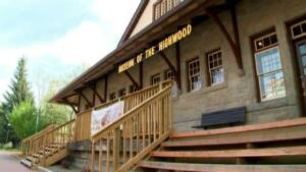 si-highwood-reopens
