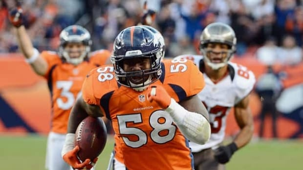 Broncos linebacker Von Miller (58) is among 100 potential witnesses in a death penalty case.