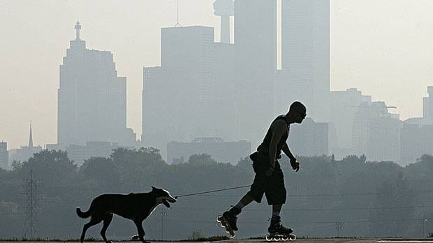 The federal and provincial governments are nearing agreement on stronger standards for air quality in an attempt to cut down on smog and air-borne pollution.