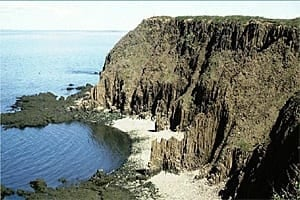 sm-300-basalt-cliffs-grand-mannan-greg-mchone