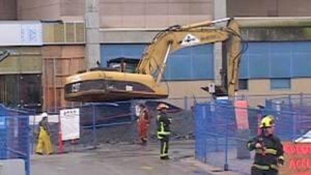 hi-bc-121119-surrey-hospital-flooding-4col