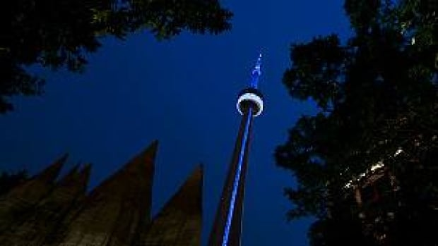 si-cn-tower-blue-300px