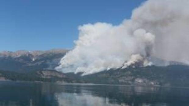 hi-bc-120820-atna-bay-forest-fire-4col
