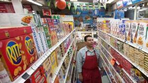 hi-852-grocery-store-03530625