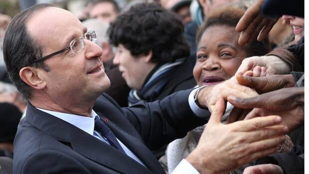 French President François Hollande said he supports his education minister's letter to the Catholic church asking that schools not discuss same-sex topics in classrooms.