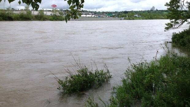 Geoscience students at the University of Calgary are going to study the Bow River for insights into its flooding history.