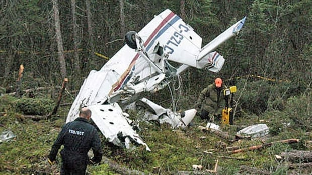 A Transportation Safety Board report notes that a lack of situational awareness, unfamiliarity with the airport, and the pilots dealing with darkness, contributed to the October 2012 crash in Pickle Lake.
