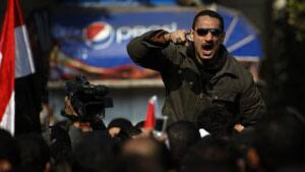 300-egypt-clashes-cp-020553