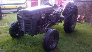 hi-pe-tractor-accident-4col