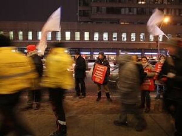 mi-protests-300