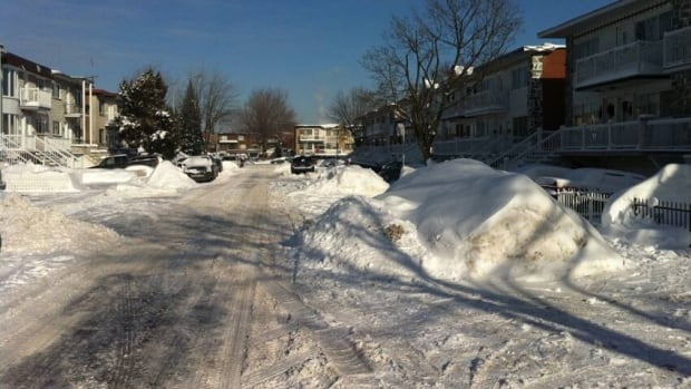 Snow removal crews still have some work to do on Fontaine Street in LaSalle. According to the city spokesperson, the remaining 2 per cent of streets left to be cleared are in LaSalle, Verdun and Ville Saint-Laurent.