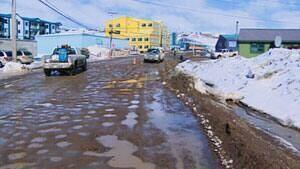 mi-iqaluit-muddy-potholes