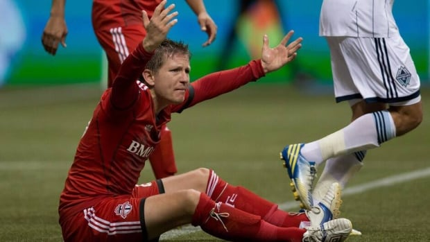 Toronto FC's Terry Dunfield was hurt in training Tuesday.