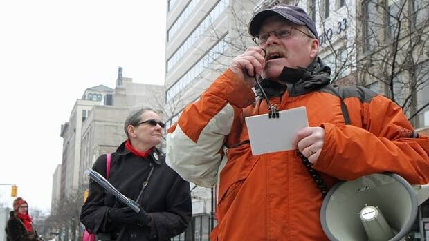 Robert Hamilton, former president of the Hamilton branch of the Architectural Conservancy of Ontario, regailed onlookers with tales of the buildings surrounding Gore Park Sunday afternoon.
