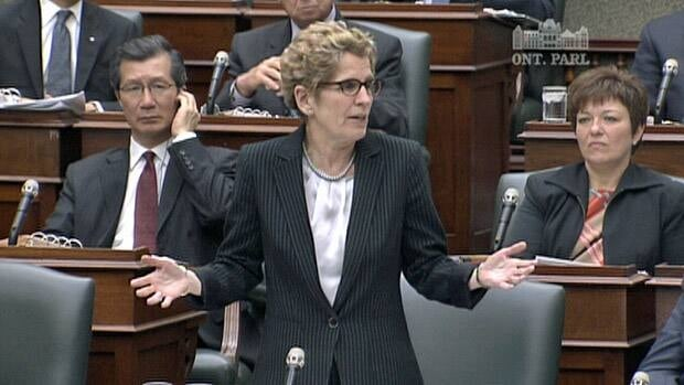 Premier Kathleen Wynne faced a barrage of questions at the Ontario legislature on Tuesday about the discrepancy between government estimates and the auditor general's estimates on the cost of cancelling and then relocating the Mississauga power plant.