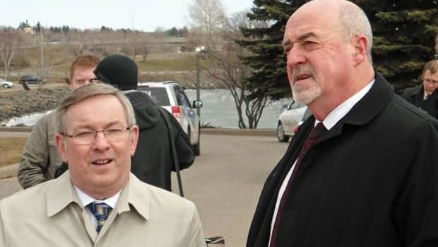Ontario's Environment Minister Jim Bradley and Thunder Bay Mayor Keith Hobbs.