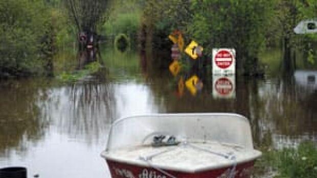 mi-flooded-campground-300