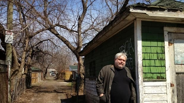 Brian Morton has been living the Evelyn Dick story for decades. This is the alley behind her house on Carrick Avenue where she banged up a Packard.