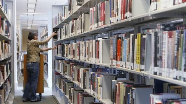 hi-toronto-library1-852-ap-00868395