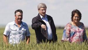 Stephen Harper ends wheat board