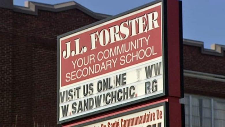 hi-wdr-forster-sign
