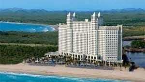 300-hotel-riu