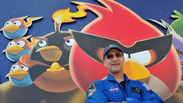 Astronaut Donald Pettit says the video game Angry Birds can teach kids about math and physics.