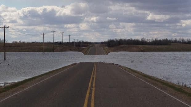 The highway from St. Louis to Prince Albert was closed in sections due to flooding. Ryan Pilon/CBC