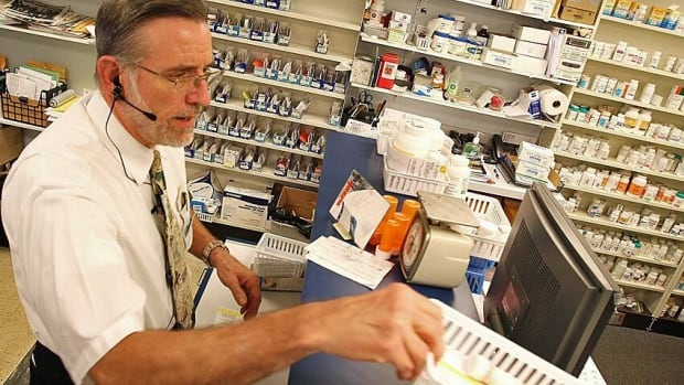 Starting this fall, Quebec pharmacists could be offering a wider range of services, including prescribing medication for mild health problems.