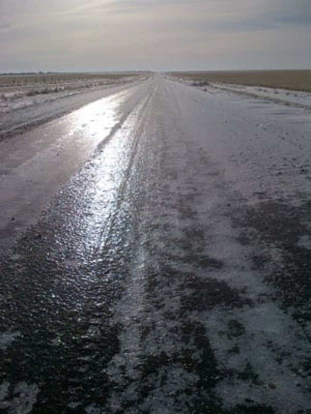 pic-300-icy-secondary-roads
