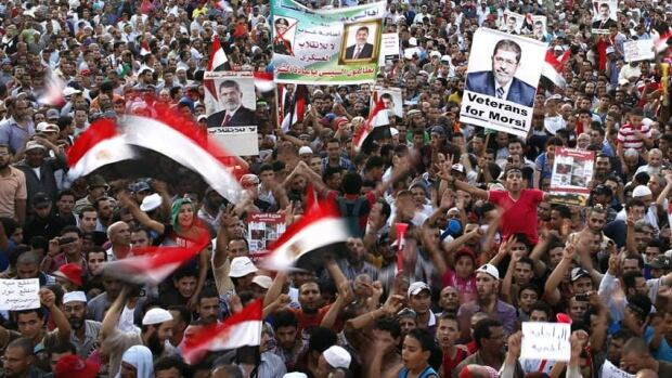 Egyptian police are expected on Monday to besiege areas where supporters of deposed Egyptian President Mohammed Morsi are camped out, a move which could trigger more bloodshed.