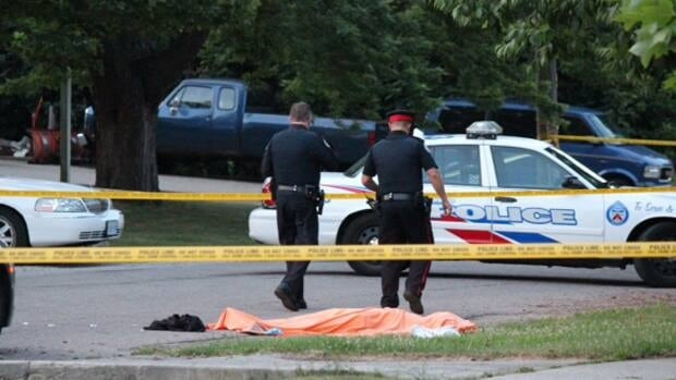 Elmi's body was discovered on Meadowbank Road, near Highway 427 and Burnhamthorpe Road with gunshot wounds.