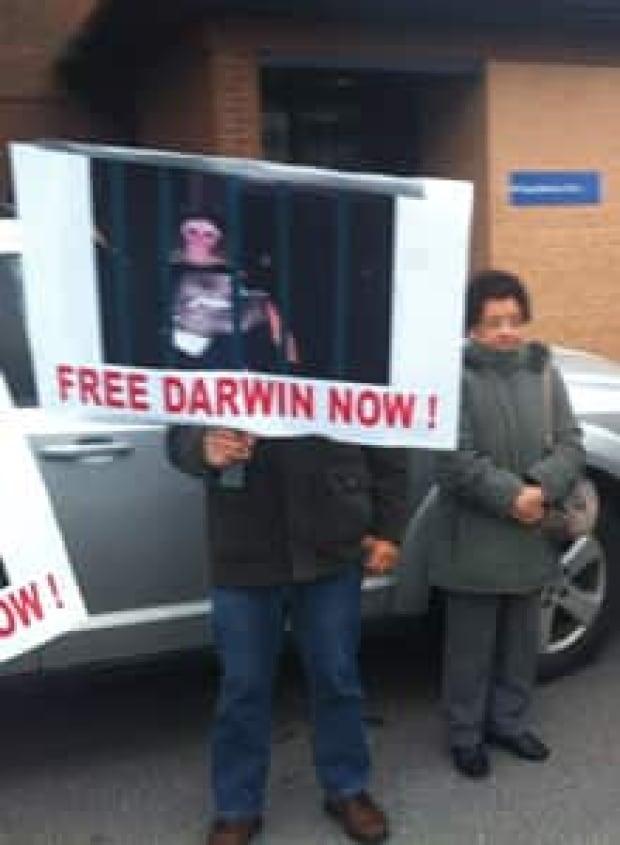 si-220-darwin-signs