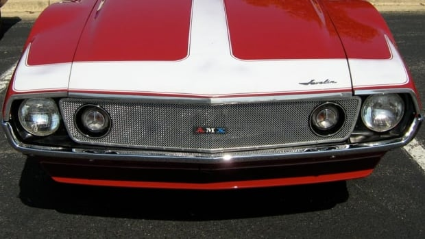 A front view of a 1971 AMC Javelin AMX. Get your classic car fix this weekend at Cruzin' The Square in Uptown Waterloo.